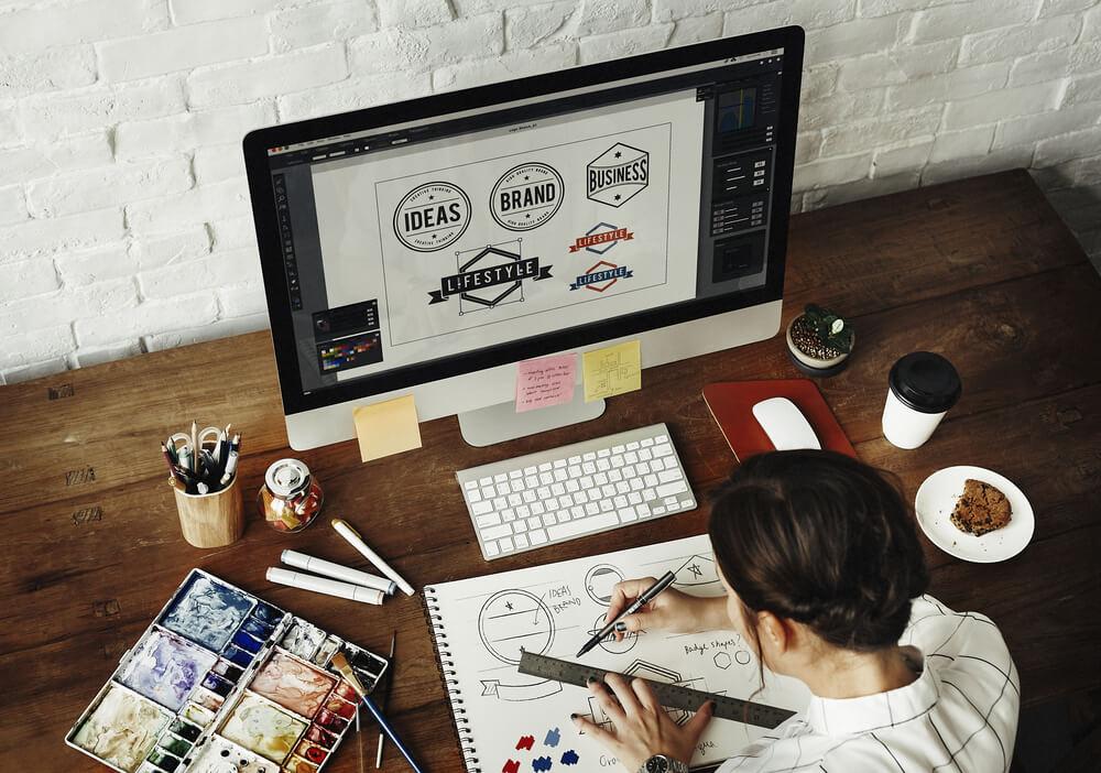 Graphic Designer: Art & Technology